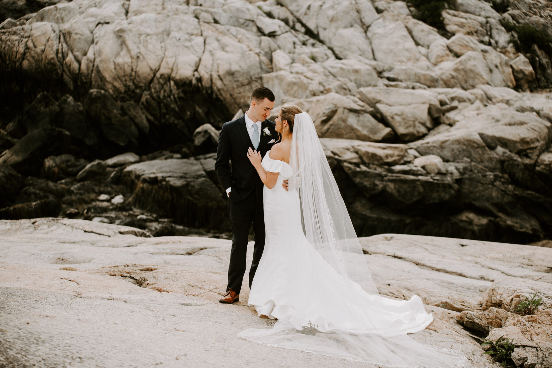 OceanCliff Newport Wedding Carley and Brian Blueflash Photography 9