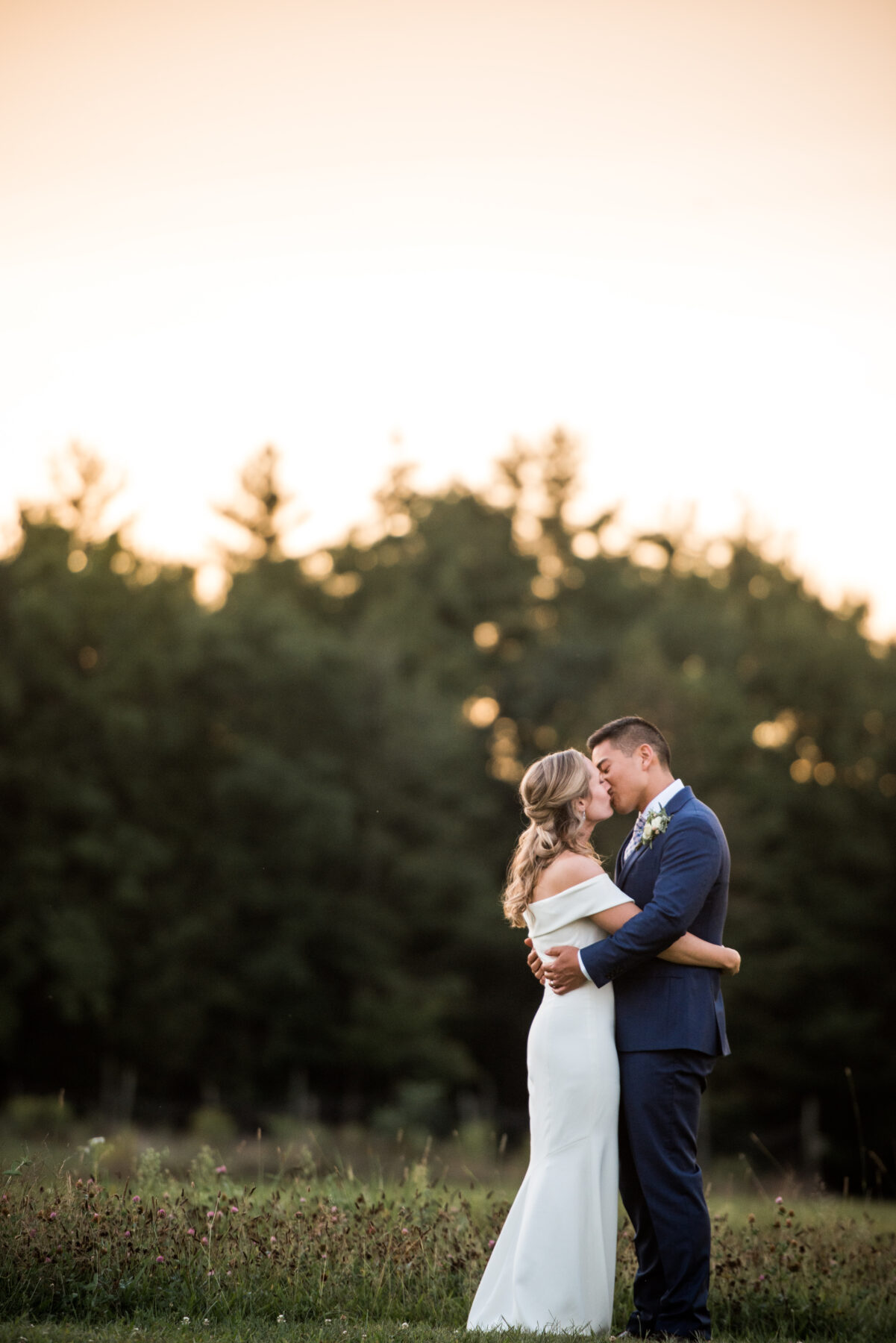 Valley View Farm Haydenville Wedding Kristin and David Blueflash Photography 2