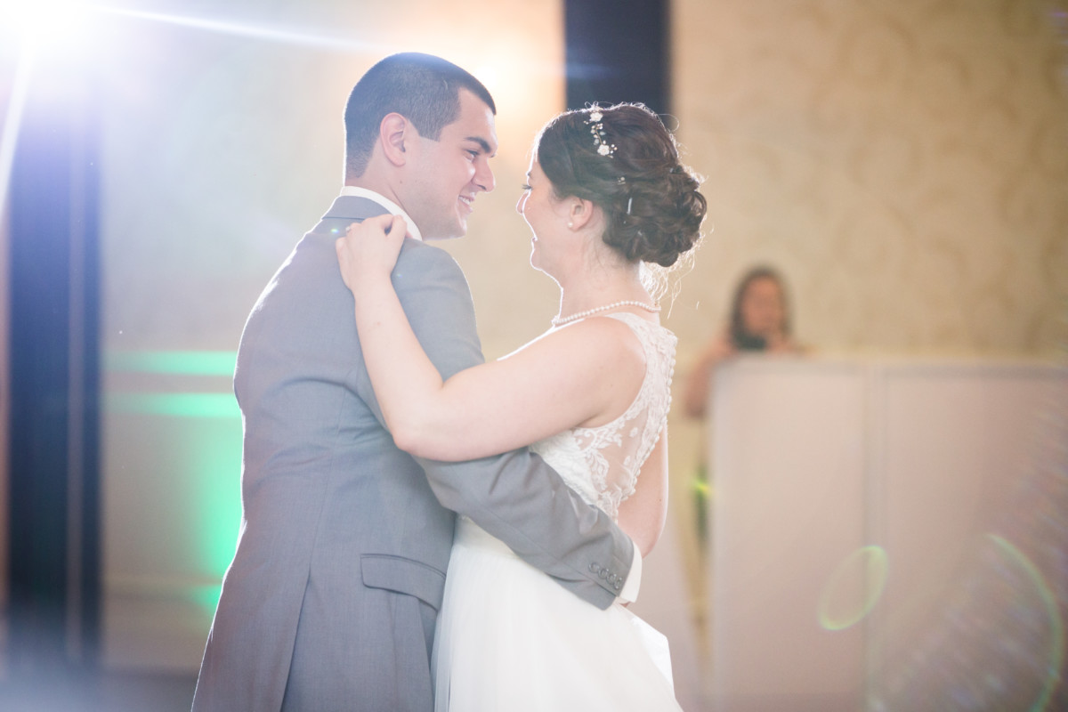 Erin and Keith | Hillside Country Club Wedding | Blueflash Photography