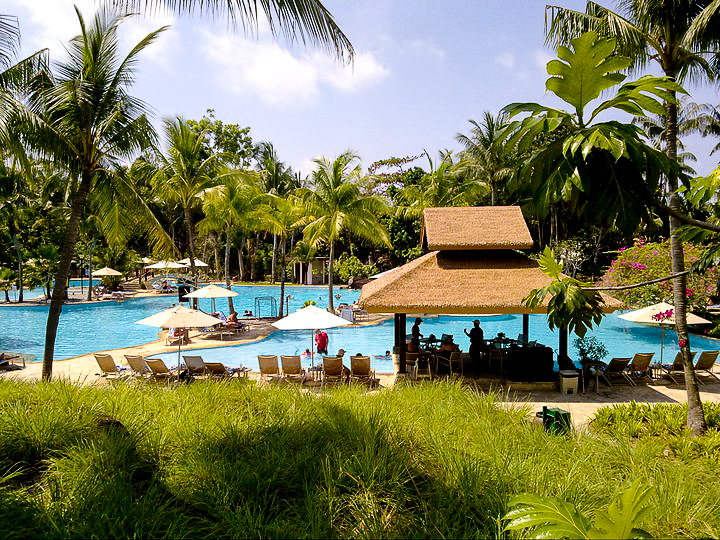 Bintan Lagoon Resort pool
