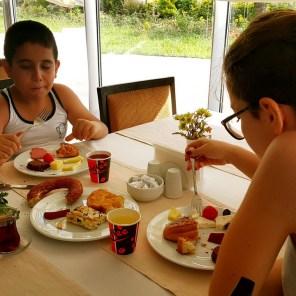 antalya açıkbüfe kahvaltı konyaaltı denize kenarında oteller best breakfast in antalya (65)