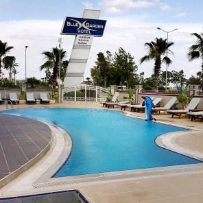 antalya yüzme havuzu konyaaltı sahilde oteller blue garden hotel (13)