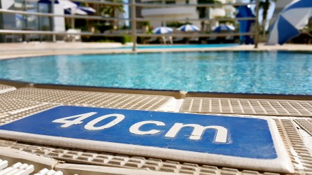 antalya yüzme havuzu konyaaltı sahilde oteller blue garden hotel (24)