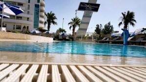 antalya yüzme havuzu konyaaltı sahilde oteller blue garden hotel (32)