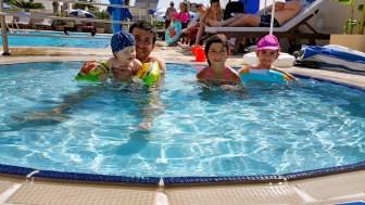 antalya yüzme havuzu konyaaltı sahilde oteller blue garden hotel (43)