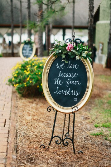 Chalk boards with scripture greeted the guests with floral accents on each