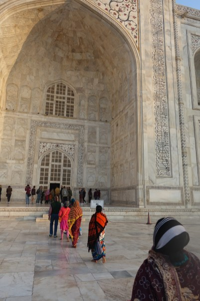 Line to go inside Taj Mahal