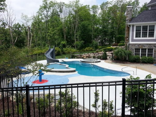 in ground swimming pool builder Michigan Clarston, Milford, Fenton, Oxford, Lansing, Shelby Mi. inground Swimming pool Installation Clarkston Michigan Swimming Pool Sale www.bluehawaiianpoolsofmichigan.com