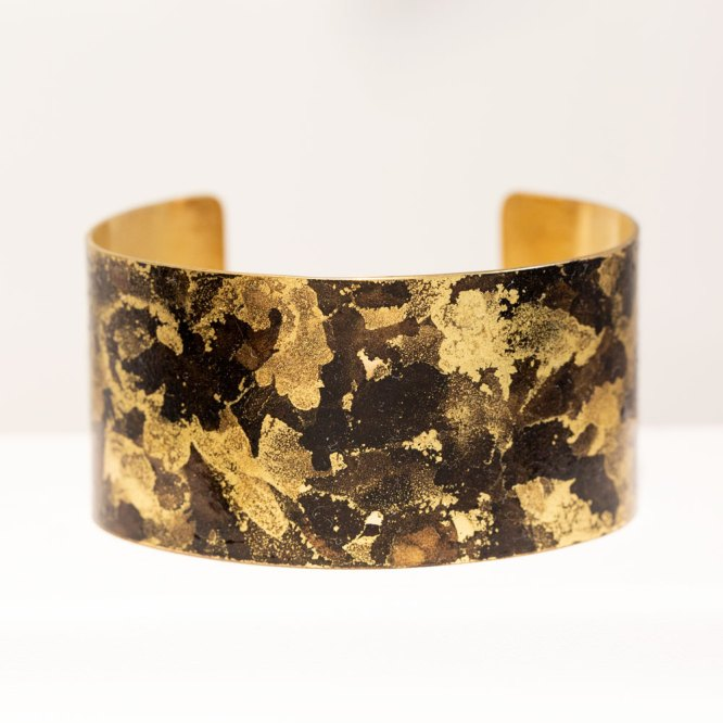 Black & Gold Band Cuff front view.