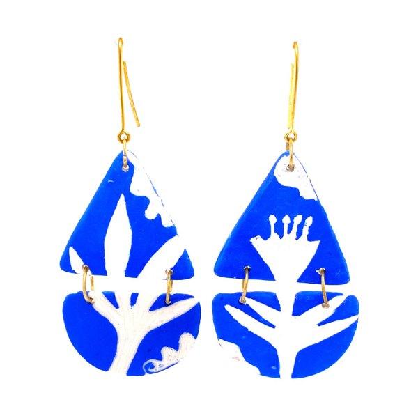 Blue & White Teardrop Earrings front view.