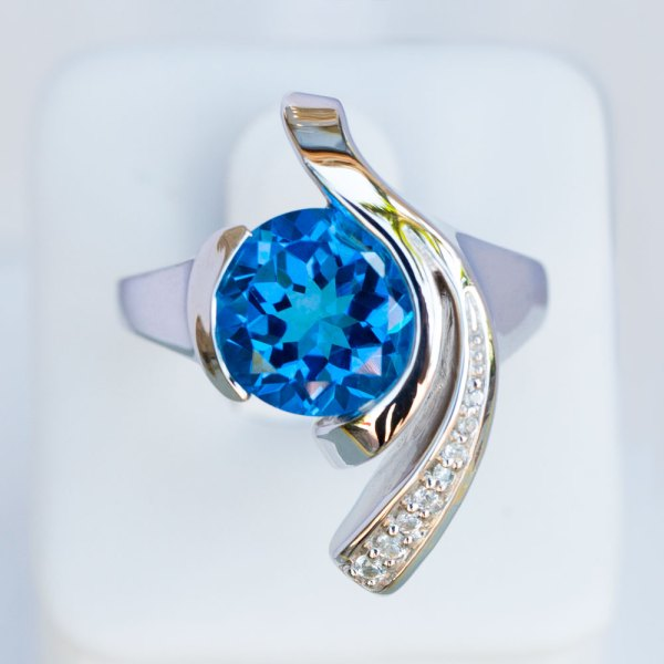 Kashmir Blue Topaz & White Sapphire Wave Ring top view.