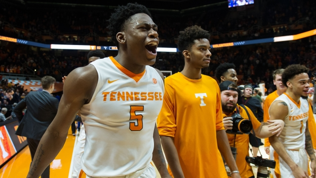Vols complete sweep of Cats; Calipari says