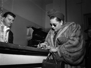 mark-twain-3billie-holiday-at-the-hall-of-justice-on-a-narcotics-charge-jan-22-1949-banc-pic-130089-01