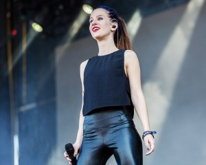 samantha-gongol-of-marian-hill-performs-lollapalooza-2016-billboard-1548