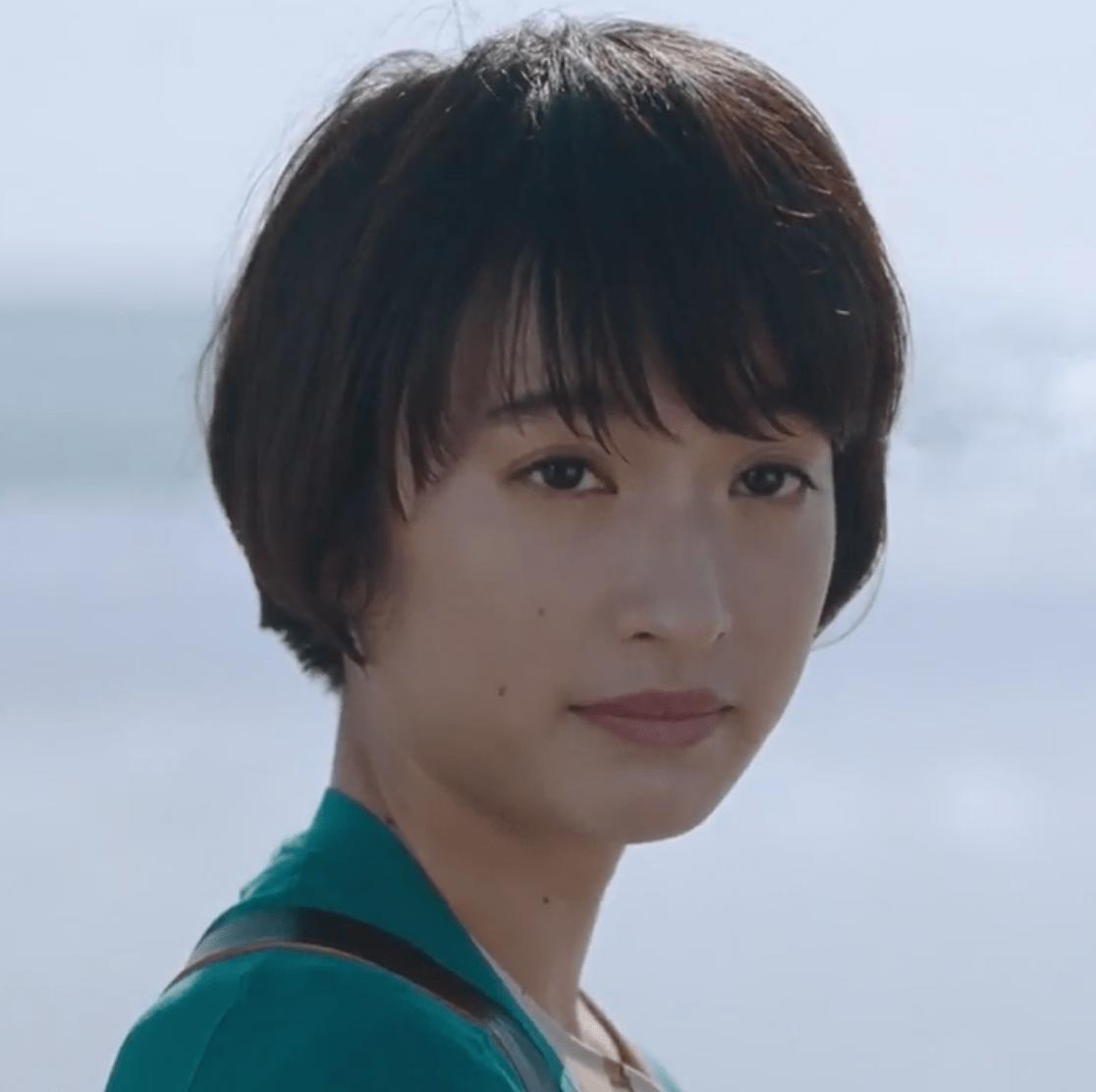 保険のビュッフェCMの女優は誰?ショートカットでルリ子役の女性が美人! | Keep It Fun