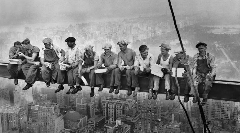 oběd na mrakodrapu