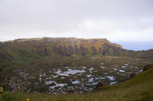 Plan potovanja za Velikonočni otok -Pogled v krater vulkana Rano Kau