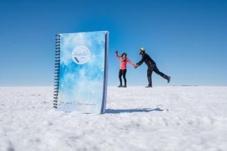 Potepuški nasveti za Salar de Uyuni - fotka iz perspektive - midva in najin bucket list dnevnik