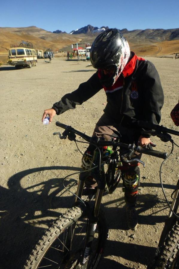 Blagoslov kolesa s 96% alkoholom