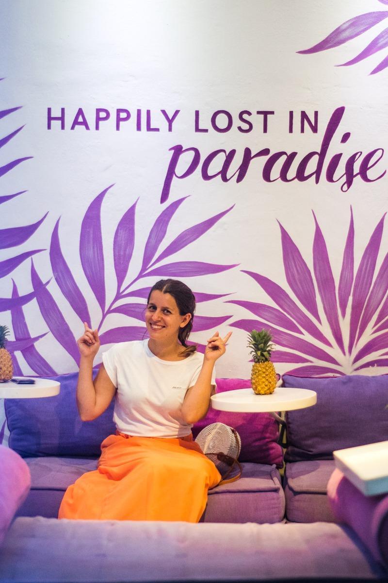 Slaščičarna z napisom Happily lost in paradise (Kje jesti v Ubudu)