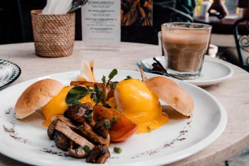Zajtrk v Lazy Cat Cafe