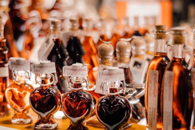 Likerji v dekorativnih stekleničkah