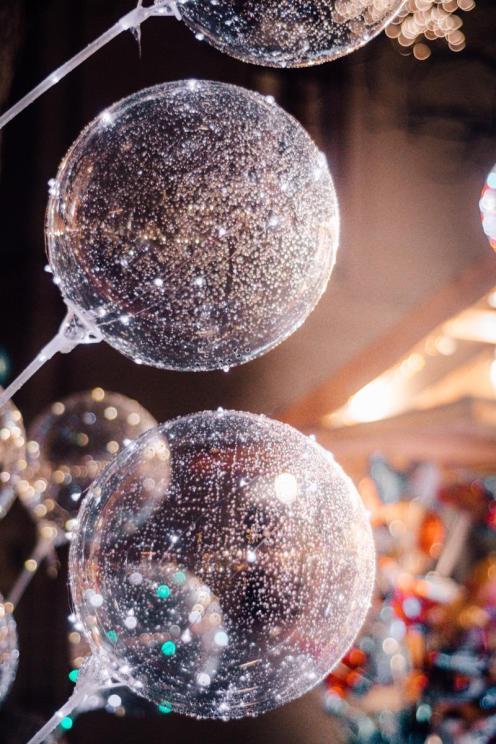 Napihljivi svetlikajoči se baloni
