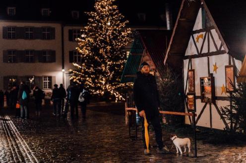 Bojan in Nano na Münsterplatzu (Božični sejem v Baslu)
