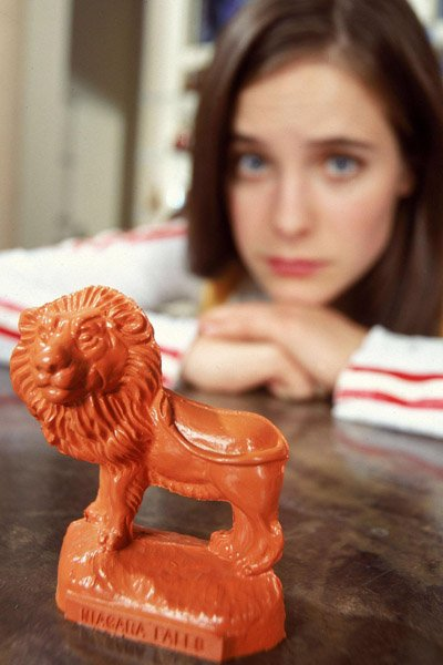 Caroline Dhavernas and the talking plastic lion from Wonderfalls.