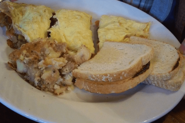 American Omelette - Blue Moon Grill via Yelp by Gregor H.