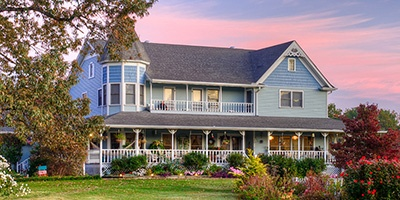 Book lodging at the Blue Mountain Mist Bed and Breakfast