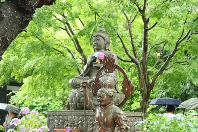 長谷寺の仏像と紫陽花