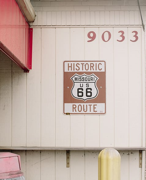 speaking of americana, carl's sits upon one of the historic route 66 through-ways of st. louis
