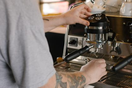 Barista making an espresso.