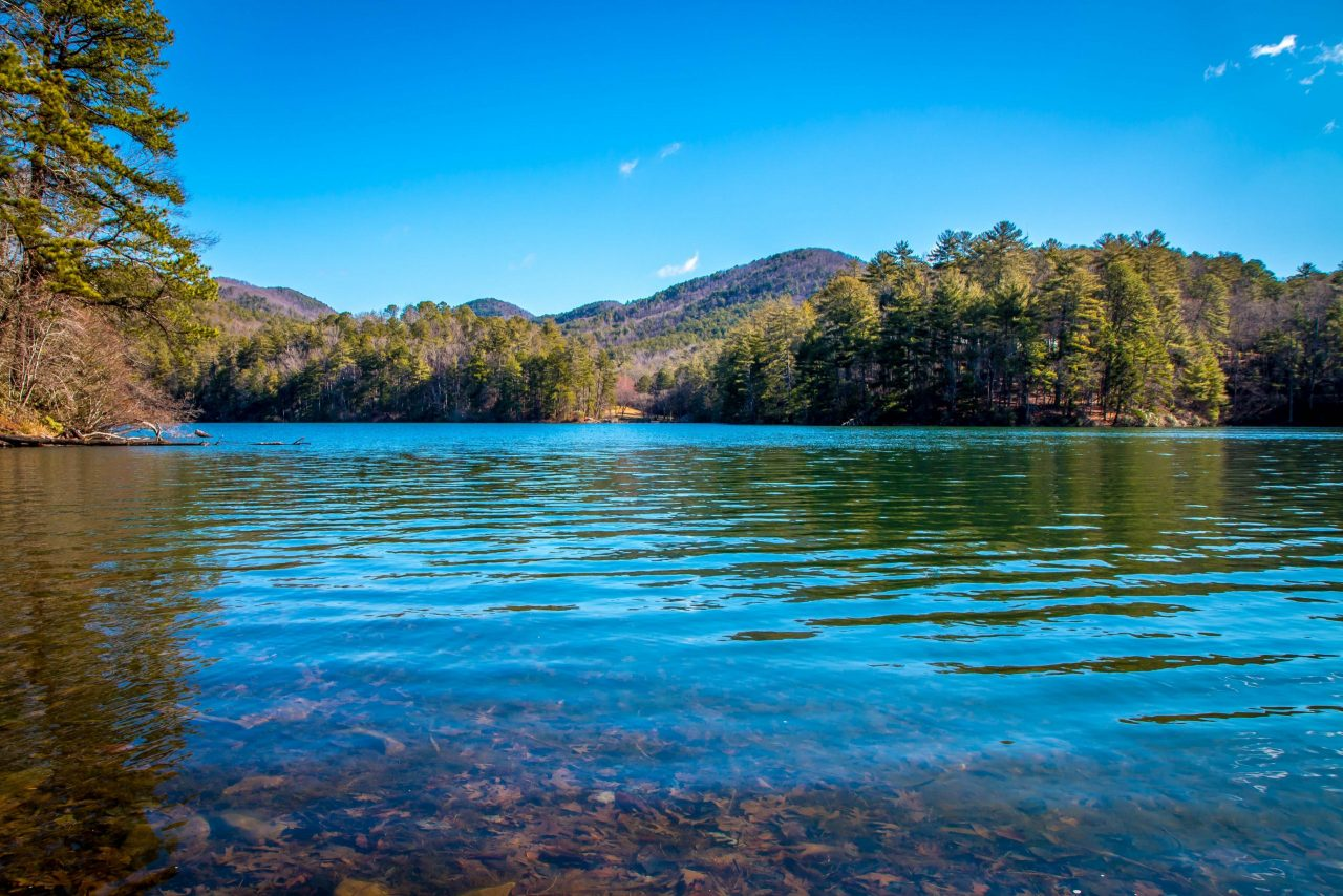 Beautiful scenery at Unicoi Lake-Smith Lake in Unicoi State Park, GA