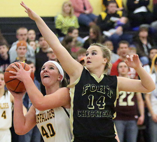 Amanda Hollingsworth scores two of her 19 points.