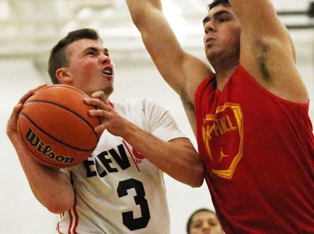 Caleb Tanner drives for a score against Oak Hill.