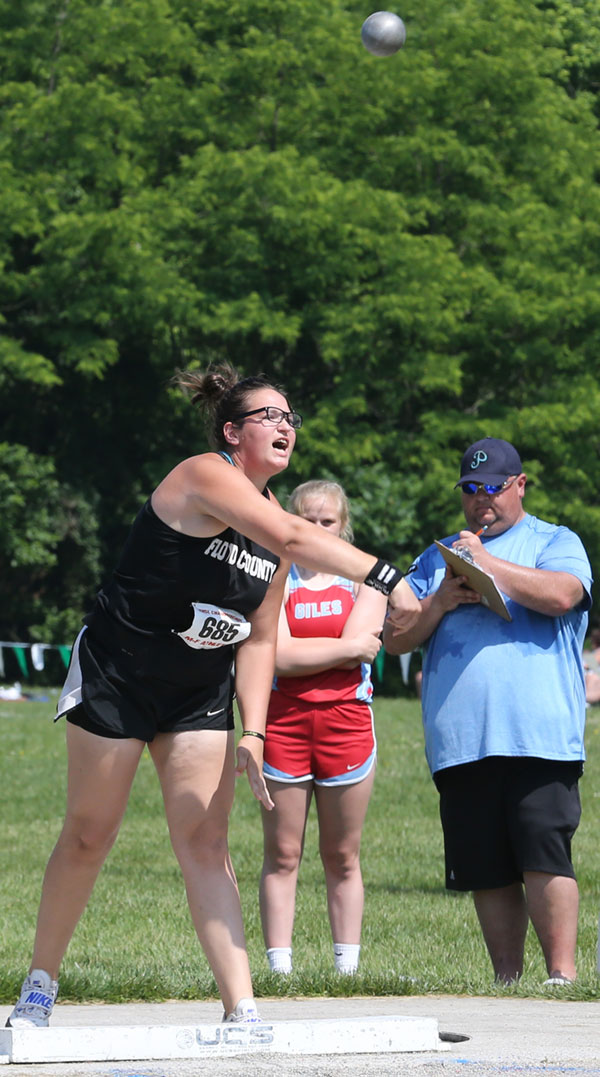 Saira Akers resets the Virginia State record for shot put in Group 2A,.