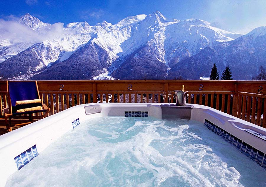 Yoga hiking retreat french alps autumn chamonix mont blanc relaxation spa