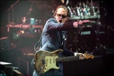 Joe Bonamassa adds Three More Dates April 2017