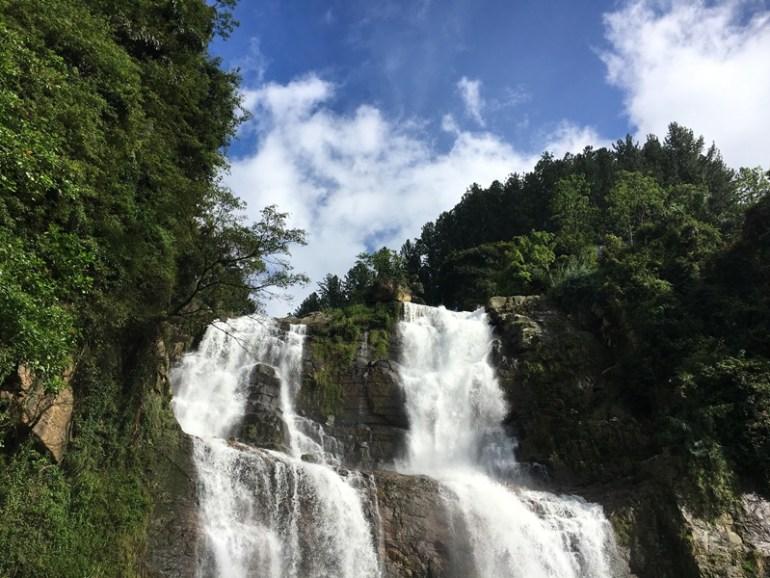 Nuwara Eliya tuk tuk half day tour stopped by waterfall, Blue Sky and Wine