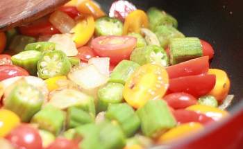 Delicious Southern Dish Starring Okra & Tomatoes
