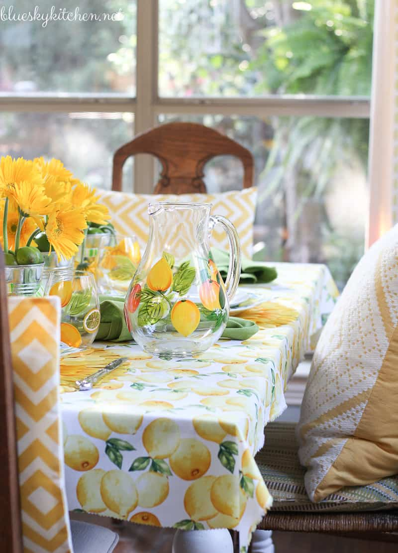 How to Make a Sunny Summer Tablescape. Sunshine and the bright colors of lemons and limes are the inspiration for this happy table and some DIY fun.