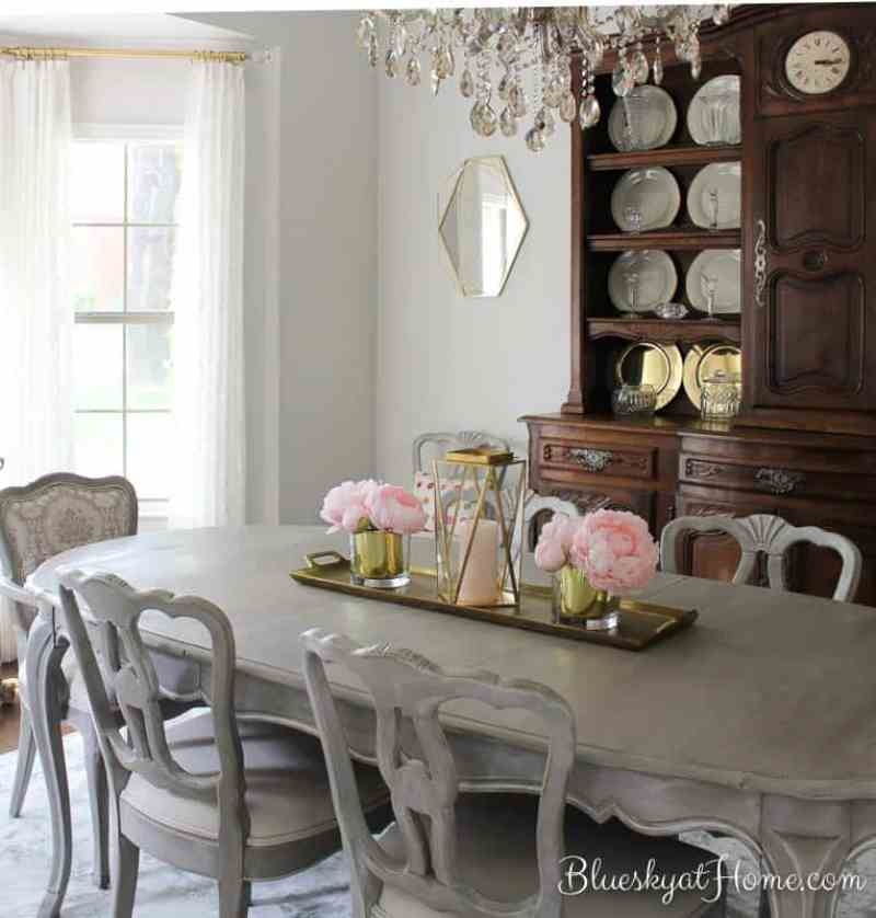 how to paint dining room table and chairs | How I Transformed a Vintage Dining Table with Paint ...