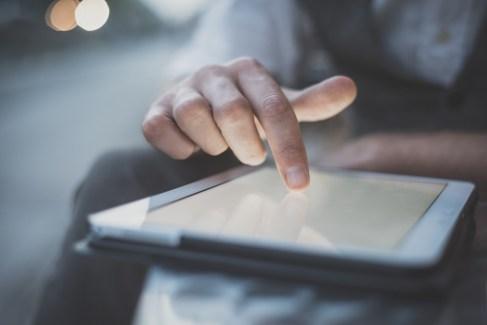 tablet social media safety