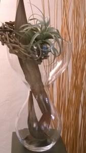raumgestaltung_vase_hoch_holz_skulptur_braun