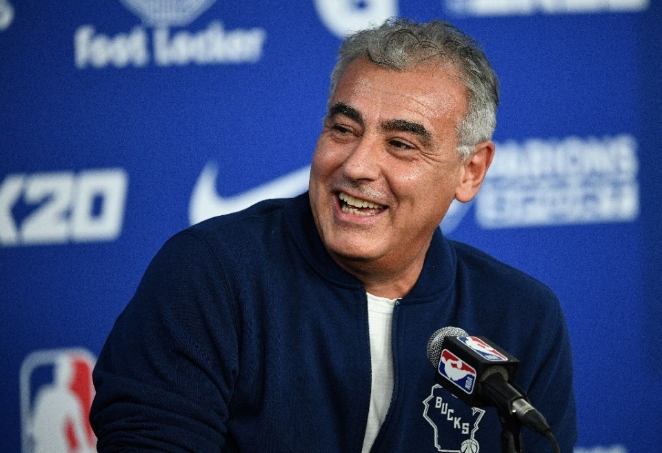 Marc Lasry, co-owner of the NBA Milwaukee Bucks, says he thinks the league season stopped due to the coronavirus outbreak could resume in six to eight weeks in one or two cities - Anne-Christine POUJOULAT / ©AFP