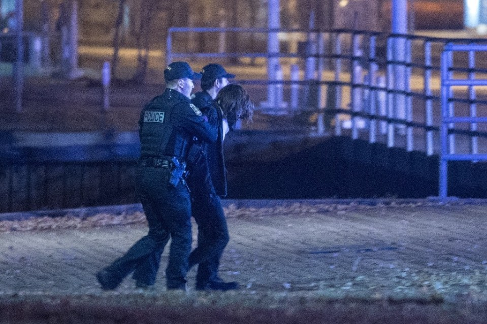 Police arresting the suspected sword attacker in the old town of Quebec on Halloween night. - Steve JOLICOEUR / ©AFP