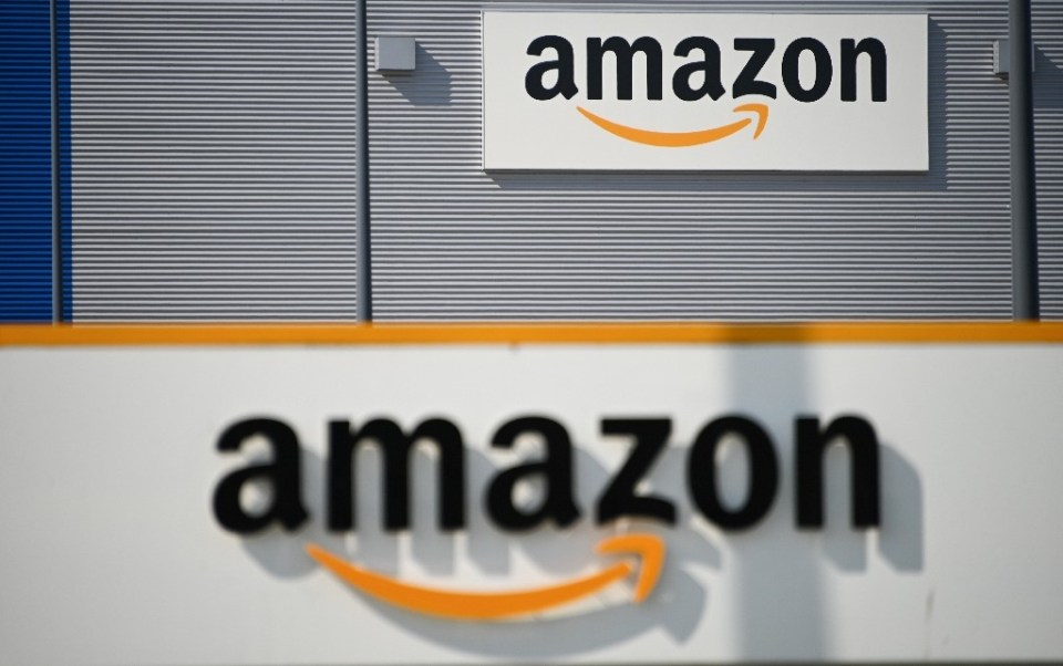 Amazon is offering to use its vast logistics network to help President Joe Biden's plan to deploy 100 million vaccine doses in his first 100 days in office - DENIS CHARLET / ©AFP