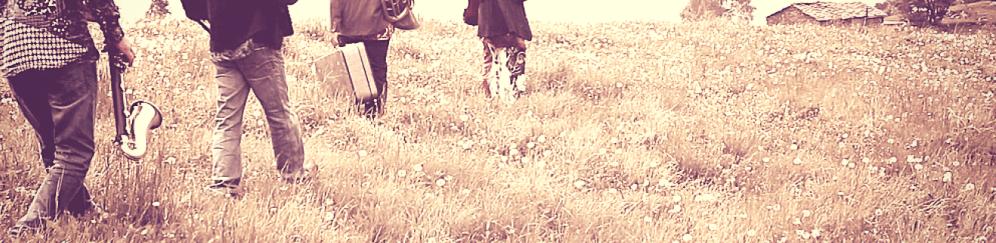 Queiqui bot est miai mac mes cusin, da l'aouta te - (Bourrée a 2 tempi) - Testo Fp. Da una poesia del poeta russo Evgenij Aleksandrovič Evtušenko, tradotta in italiano da Evelina Pascucci. Il titolo Mac mes, solo metà, cerca di riassumere l'idea di fondo della poesia: il poeta desidera vivere la vita nella sua interezza e non accetta facili compromessi. Il suo animo è pronto a esperire emozioni e sensazioni totalizzanti, anche a costo di soffrire. L'unica esperienza che è disposto a condividere è l'amore, simboleggiato dal cuscino su cui balugina l'anello dell'amata.